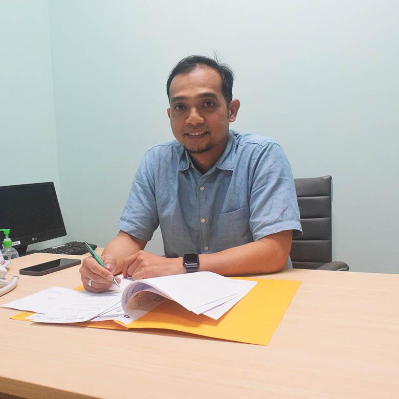 dr.Octoveryal Aslim, Sp.U