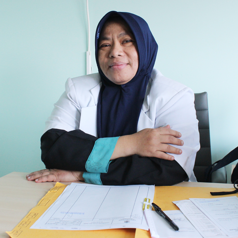 dr. Susi Suryaningsih, Sp.KI, M.Kes