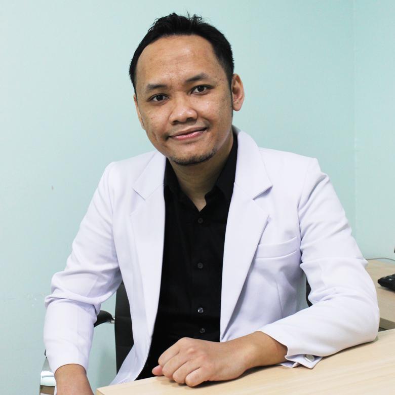 dr. Hendra Cahya Kumara, Sp.OT, M.Kes