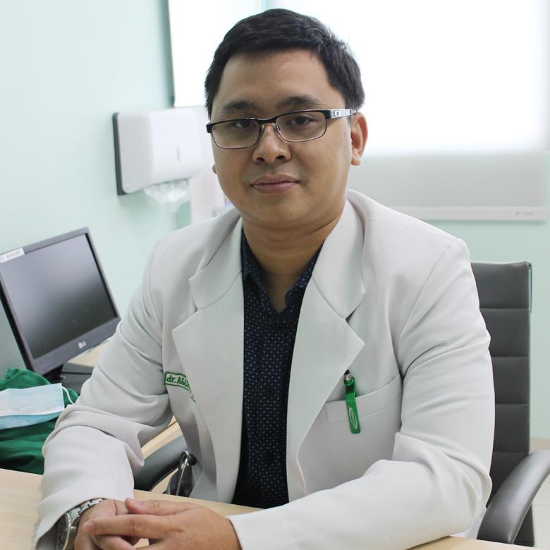 dr.Agung Widhinugroho, Sp. B